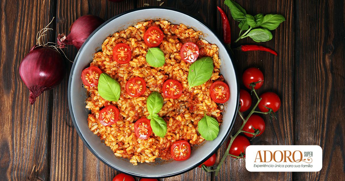 Risoto de tomate e queijo mussarela: aprenda a fazer